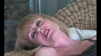 Amateur GILF Plays With Granny Slit