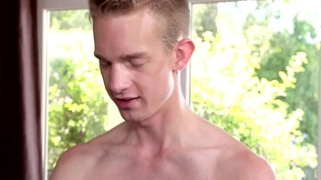 Rimmed twink in passionate rendez vous