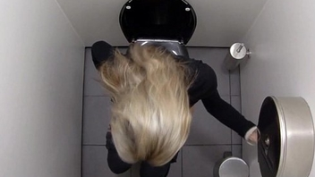 Must-Watch What Girls finish in the Bathroom