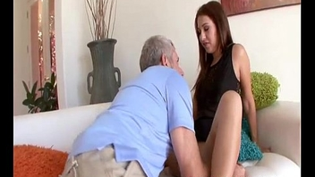 FamilySkeet Seducing My Step Dad - Ariana Grand