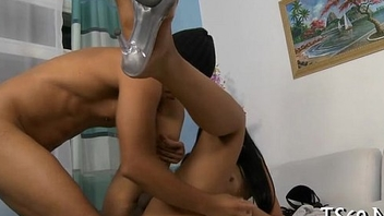 Lady-boy likes deep-throat blowjobs